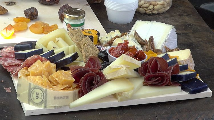 The Tasting Room, Crafting a Cheese Board