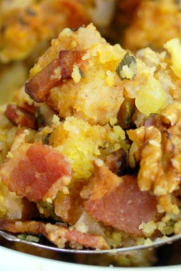 Cornbread Stuffing With Apples, Bacons And Pecans