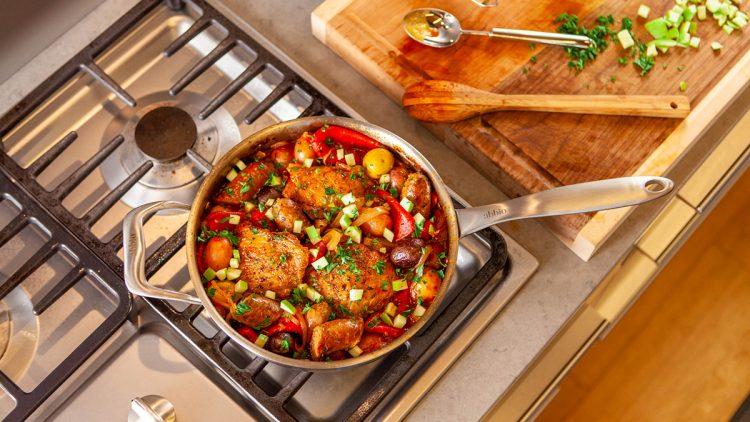 An Abbio cookware pan